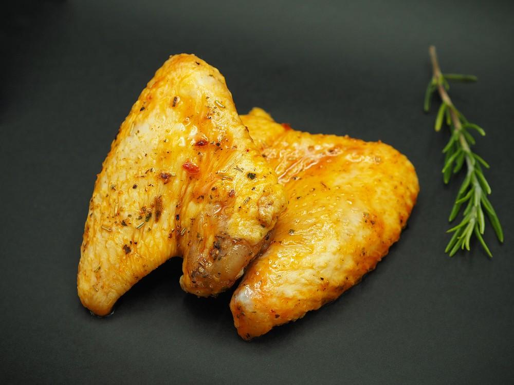 Ali pollo in salsa BBQ